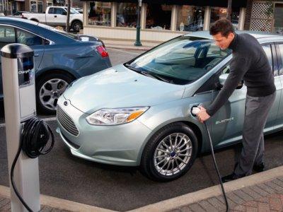 ¿Y si te digo que tu coche eléctrico es, de hecho, menos ecológico que uno de gasolina?