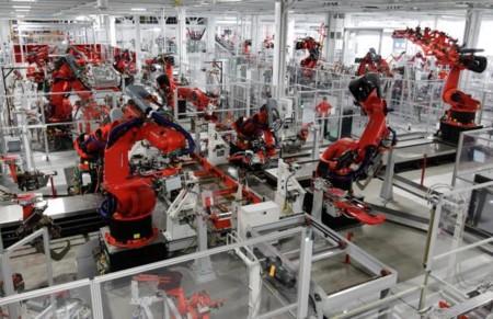 Los robots se adueñan de las fábricas en China; ya parecen listos para producir los nuevos iPhone