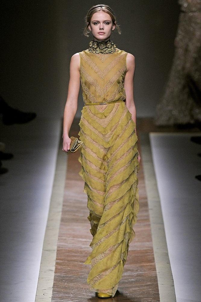 Foto de Valentino Otoño-Invierno 2011/2012 en la Semana de la Moda de París: la moda está triste (15/23)