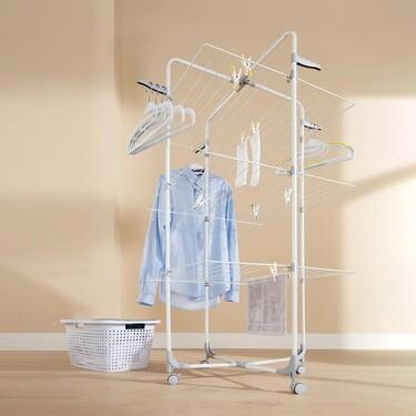 Este tendedero torre de Lidl es la solución para tender la ropa en el apartamento de la playa (por pequeño que sea)