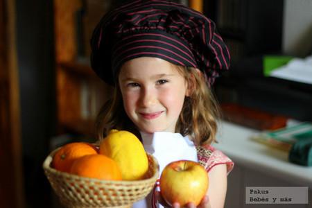 Recetas de verano para hacer con peques: ensaladas con frutas
