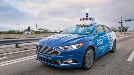 Los autos autónomos tienen un problema: hacen que los demás conductores se sientan menos seguros al manejar junto a ellos