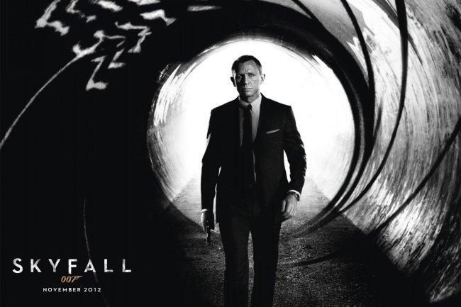 Un cartel de Skyfall, la nueva película de 007