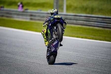 ¡Valentino Rossi se queda! Ficha por el Petronas y seguirá corriendo con 42 años con una moto de fábrica de Yamaha