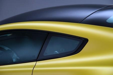 Aston Martin V12 Vantage S Detalle techo