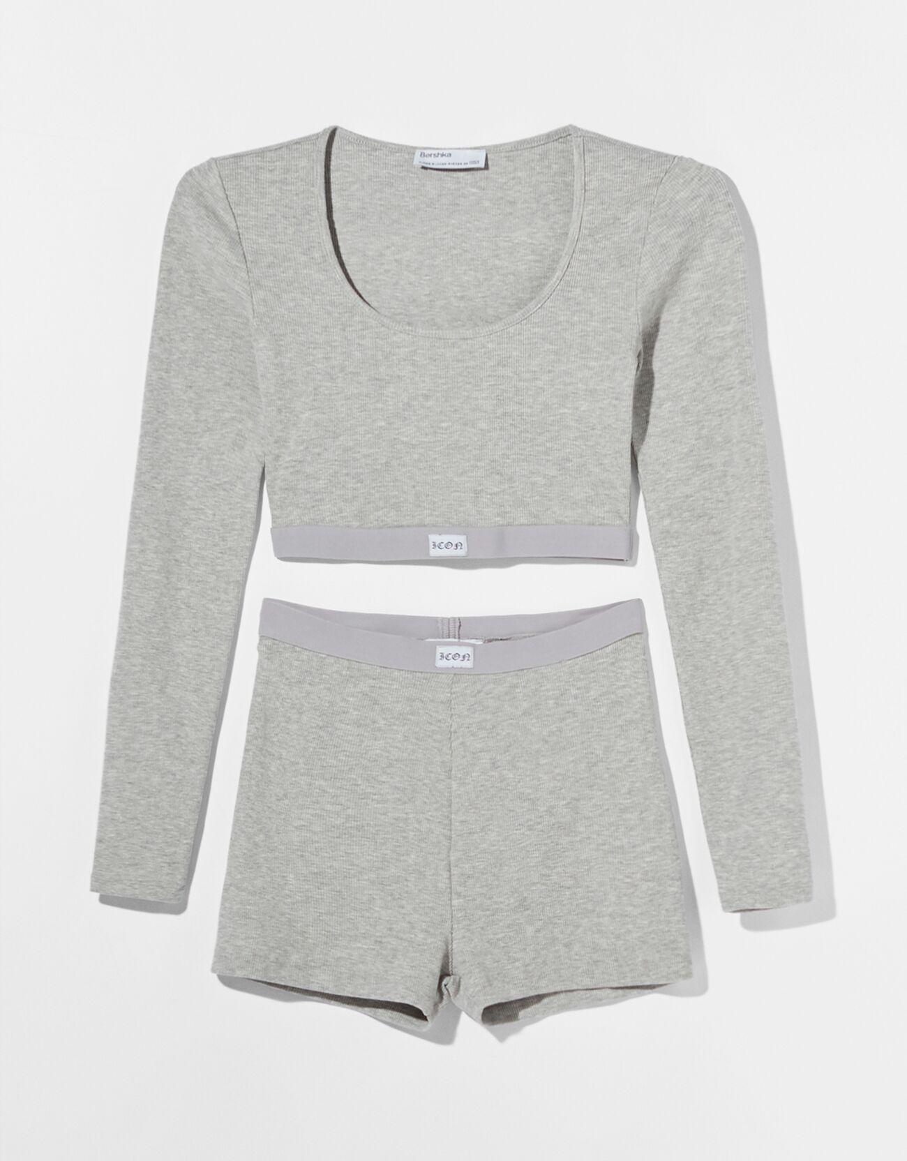 Pijama rib manga larga.