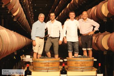 Quique Dacosta y Andoni Luis Aduriz pisan las uvas de Abadía Retuerta