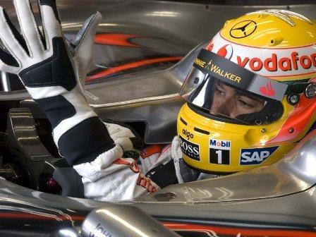 Lewis Hamilton se impone en una loca carrera en Mónaco