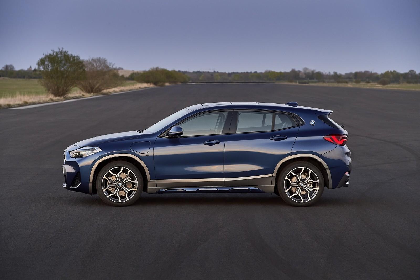 Foto de BMW X2 xDrive25e 2021 (40/53)