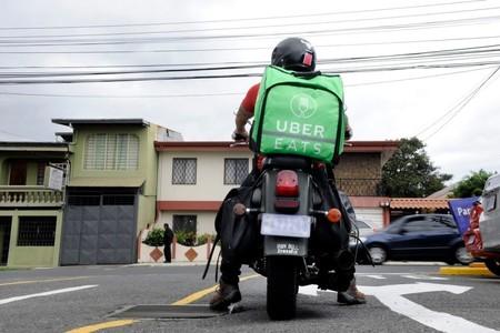 Motociclistas de Uber Eats, Rappi y Sin Delantal a motoescuela: necesitarán licencia especial en CDMX
