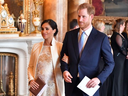 Como dos perfectas invitadas de boda: Meghan Markle y Kate Middleton en el 50º aniversario de la investidura del Príncipe de Gales