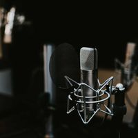 Seis apps para grabar podcasts desde un móvil iOS o Android