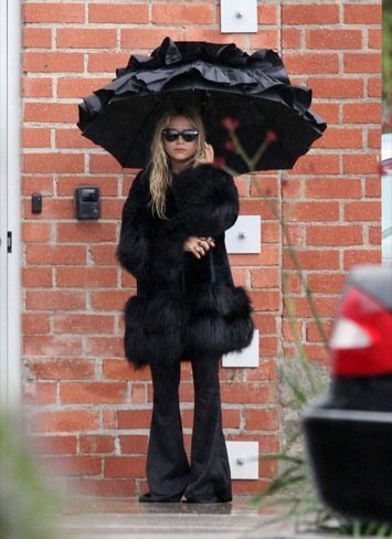 Looks abrigo frío celebrities: Mary-Kate Olsen