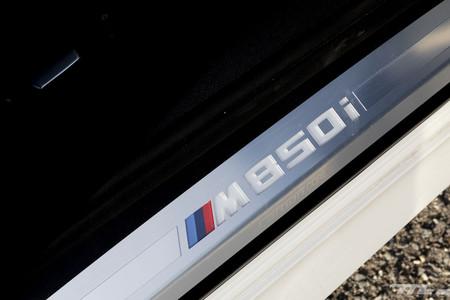 BMW M850i Cabrio moldura puerta