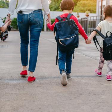 Se estudia un permiso retribuido para los padres de niños afectados por Covid que no puedan ir al colegio