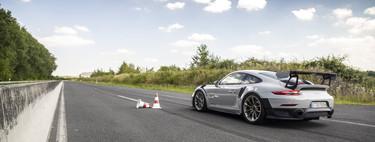 Copilotamos con Lars Kern el Porsche 911 GT2 RS, su coche de empresa que bate récords en Nürburgring