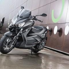 Foto 13 de 15 de la galería yamaha-x-max-400-momodesign-en-accion en Motorpasion Moto