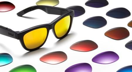 73efb8926 Con estas gafas podremos escuchar música pero sin conectar nada en las  orejas