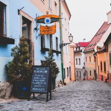 Las 26 cosas que ver y hacer en Bratislava, una de las capitales más coquetas, decadentes y baratas de Europa