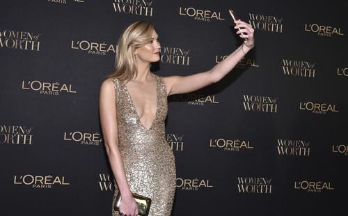 Las chicas L'Oréal se reúnen en los Premios Women of Worth. Desvelamos sus secretos