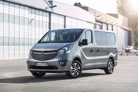 Opel Vivaro Life y Tourer, para trabajar sobre ruedas o desconectar en medio de la nada