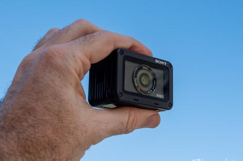 Sony RX0 II, análisis: la más pequeña y resistente llega mejorada para seguir convenciendo a videógrafos y fotógrafos