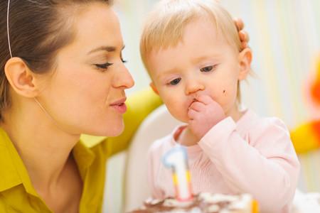 El primer cumpleaños del bebé, un momento único, especial y emotivo que siempre recordareis