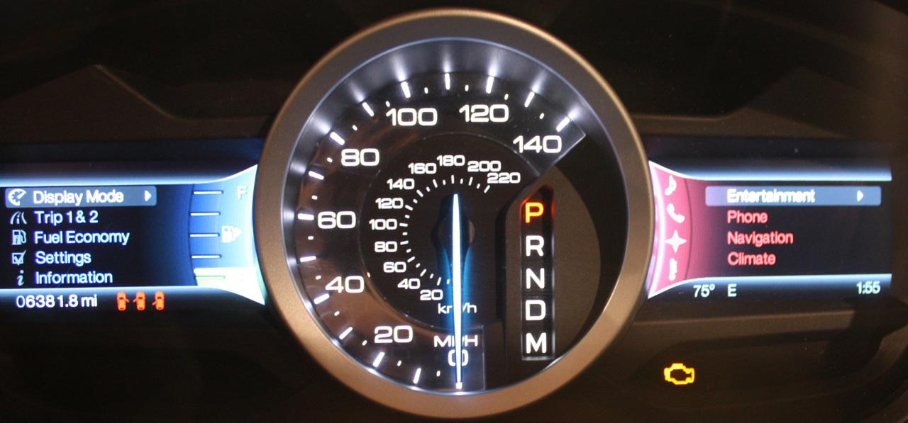 Foto de Ford Sync y MyFordTouch, el nuevo interfaz de Ford para coches (4/23)