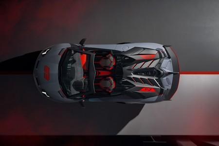 Lamborghini Aventador Svj Roadster 63 Y Huracan Evo Gt 18