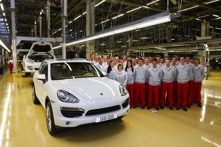 El Porsche Cayenne II número 100.000 sale de la fábrica