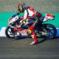 Tatsuki Suzuki repite pole position de Moto3 batiendo el récord del circuito de Jerez