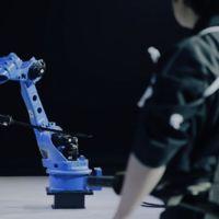 Este robot maneja la katana con la destreza de un maestro samurái
