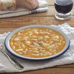 Receta de habichuelas o alubias blancas con sepia, para comer bien de cuchara con el sabor del mar