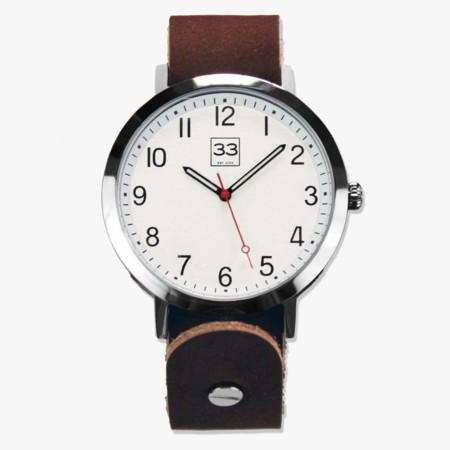'Time Machine': El nuevo reloj de Treinta y Tres llega muy minimalista