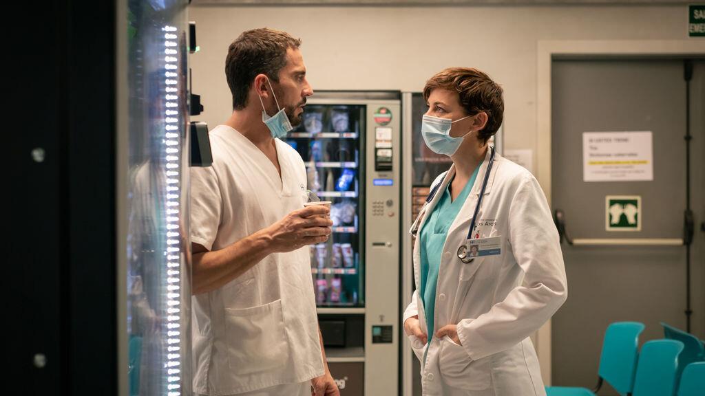 Disney+ estrenará 'Besos al aire': la primera miniserie española de la plataforma junta a Paco León y Leonor Watling en una comedia romántica
