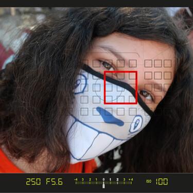 ¿Afecta el uso de mascarillas a los sistemas AF de reconocimiento de rostros de nuestra cámara? Lo comprobamos