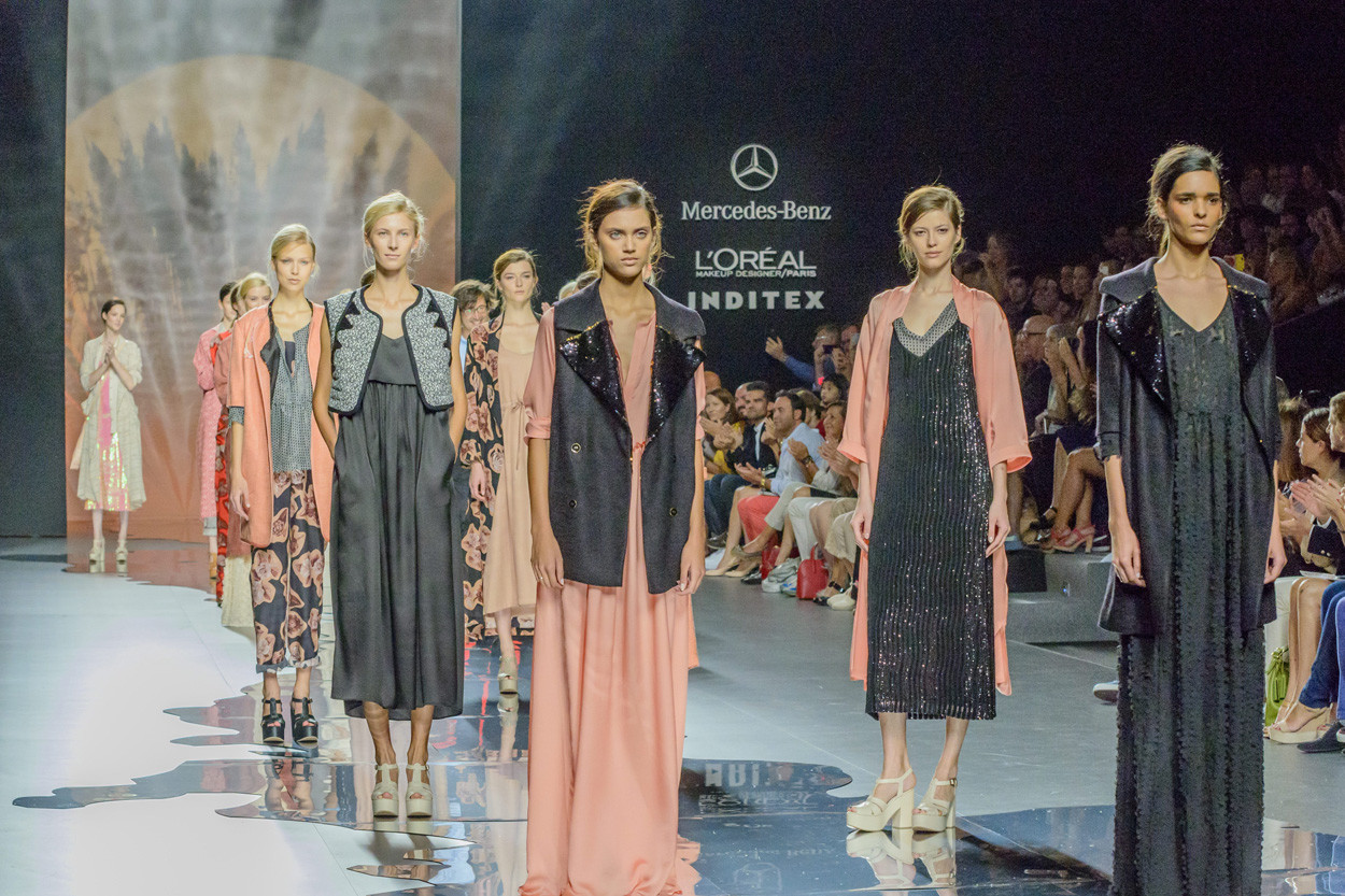 7a050153022 ¿Cuánto cuesta un desfile de moda?