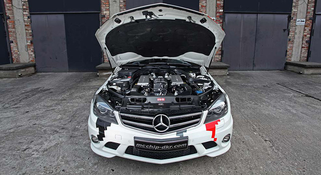 Mercedes-Benz C 63 AMG por mcchip-dkr
