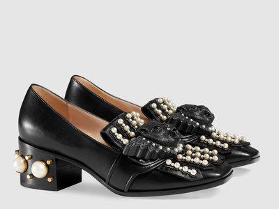 Zapatos con perlas, la tendencia que está arrasando esta temporada