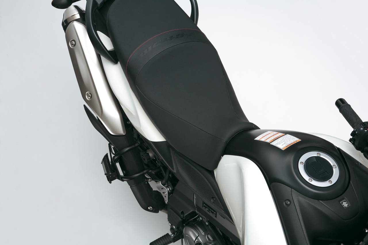 Foto de Suzuki V-Strom 650 2012, fotos de detalles y estudio (20/50)