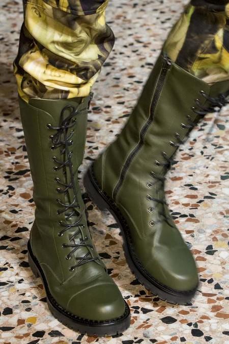 Bota militar, de Moschino