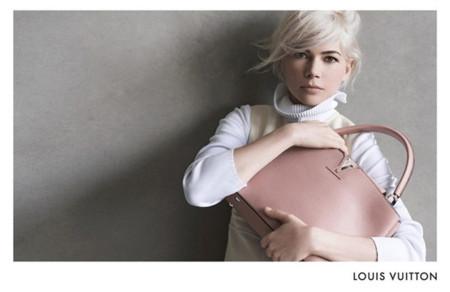 ¿Qué te puedes comprar con una black card en Louis Vuitton por 6.906 euros?