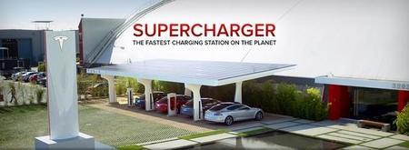 Tesla inaugura su super-estación de recarga número cien