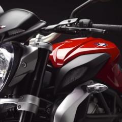 Foto 24 de 27 de la galería mv-agusta-brutale-675-desvelada-en-el-eicma-2012 en Motorpasion Moto
