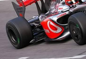 La clave del McLaren MP4-24 está en el fondo plano