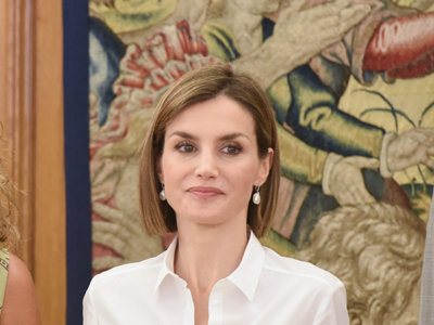 Doña Letizia repite look en Zarzuela para estrenar el nuevo curso
