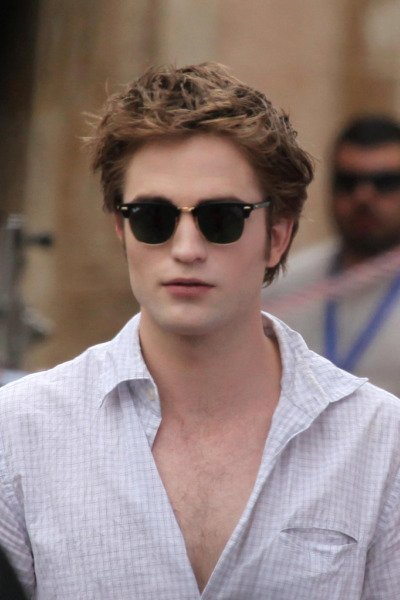 rob-edward-clubmasters-robert-pattinson-9431883-682-1023.jpg