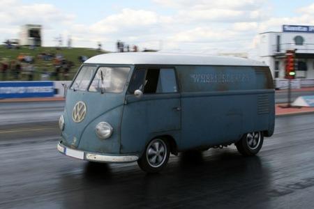 Volkswagen Transporter: 56 años, 165 km/h