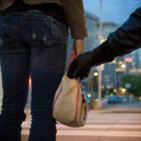¿Cómo puedo proteger mi móvil contra robo y accidentes con Telcel, AT&T y Movistar?