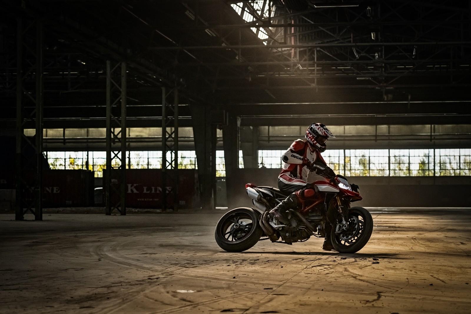 Foto de Ducati Hypermotard 950 2019 (28/76)